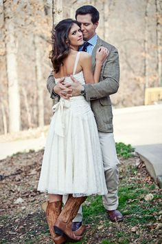 good information here about how to avoid crisis on your wedding day.