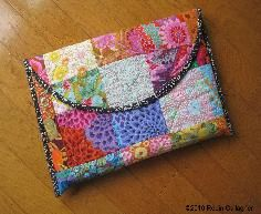 freepatternstutorials Easiest laptop sleeve tutorial I have seen! Looks good too.