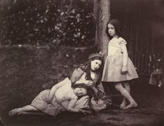 Alice and sisiters / Lewis Carroll