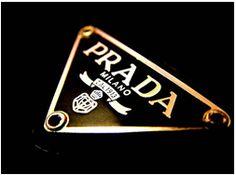 Many designer labels begin in Italty; Prada, Armani, United Colors of Benneton, Fendi, Versace and Gucci. Prada Handbags, Prada Bag, United Colors Of Benneton, Luxury Blog, Prada Spring, Devil Wears Prada, Luxe Life, Picture Logo, Luxury Branding