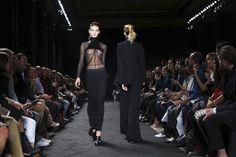 Ann Demeulemeester Ready To Wear Spring Summer 2016 Paris - NOWFASHION