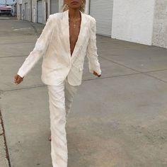 All white outfit Fashion Killa, Look Fashion, Spring Fashion, Winter Fashion, Classic Fashion, Fashion Styles, Retro Fashion, High Fashion, Fashion Beauty
