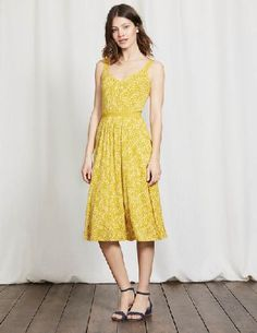 #Boden Jemma Jersey Dress Mimosa Yellow Mono Vine Women #Getting ready for garden parties is a cinch with this V-neck dress. The grosgrain straps cover underwear perfectly and the belted waist creates a flattering semi-fitted shape. The flippy knee-length skirt is just the thing for gliding into special events.