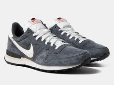 buy nike sneakers