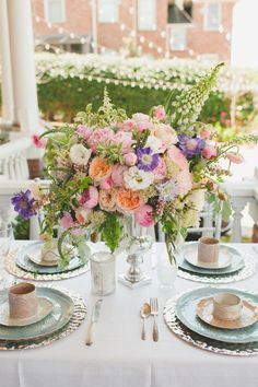 #place-settings, #tablescapes, #centerpiece  Photography: Spindle Photography - spindlephotography.com/ Floral Design: Southern Posies - southernposies.com/