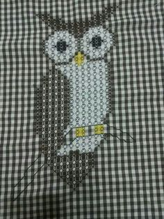 Owl done in chicken scratch Cross Stitching, Cross Stitch Embroidery, Embroidery Patterns, Hand Embroidery, Chicken Scratch Patterns, Chicken Scratch Embroidery, Halloween Embroidery, Quilting Room, Art Textile