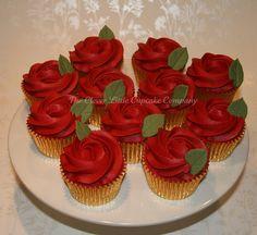 Ruby Wedding Cupcakes Ruby Wedding Cupcakes by The Clever Little Cupcake Company (Amanda), via Flick Anniversary Cupcakes, Ruby Wedding Anniversary, Ruby Wedding Cake, Wedding Cupcakes, Rose Wedding, Valentine Desserts, Valentine Cake, Valentine Roses, Valentines