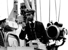 In February 1976, the Prince of Wales took up command of HMS Bronington. He relinquished his command that December, on the final day of his active service in the Royal Navy. On December 16 he paid a farewell call on the First Sea Lord.