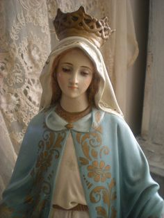 Our Lady .... doesn't anyone know where this statue is, as I've never seen this robe of Hers before ?