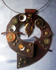 leatcher necklace