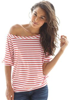 i love off shoulder tees, they are just so pretty and look sexy without revealing hardly anything