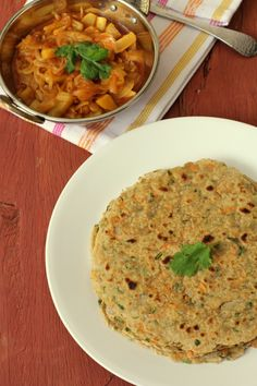 Oats Roti (paratha) prepared with whole wheat flour, oats and spices. Try cooking with oats, a healthy Indian recipe that kids will enjoy with tomato sauce. Oats Recipes, Veg Recipes, Vegetarian Recipes, Cooking Recipes, Asian Cooking, Healthy Cooking, Healthy Snacks, Healthy Eating, Healthy Indian Recipes