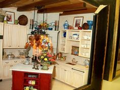 Whitledge Burgess dollhouse miniature kitchen  #miniatures #dollhouse #roombox