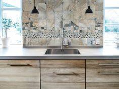 00-5-8x5-8-Silver-Aspen-Glass-Quartz-Mosaics
