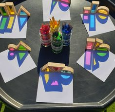 We love this rainbow reflection activity in the Tuff Tray by Beautiful, especially in the sunshine 🌈Try this with any toys to cast shadows and trace the shapes. Autumn Eyfs Activities, Nursery Activities, Preschool Learning Activities, Play Based Learning, Preschool Activities, Tuff Spot, Tuff Tray Ideas Toddlers, Reggio Classroom, Outdoor Learning