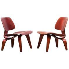 Set of Charles and Ray Eames LCW Chairs 'b' | 1stdibs.com