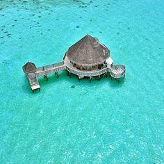 Wedding house at Gililankanfushi #gililankanfushi #maldives #mytravelgram #maldivelovers #maldivesresorts #lagoon #luxwt #luxuryworldtraveler #instagrm #ig_nature #ig_planet #instadaily #ig_exquisite #thegoldlist #travel #tropical #theluxurylife #thosesummerdays__ #theluxurylifestylemagazine #natgeotravel #nature #aerial #earthpix #worldcaptures #worldtraveller #worldtravelpics #pavilion #resort #destination
