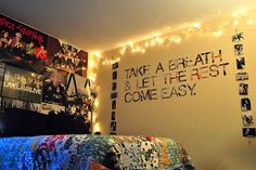 All Time Low lyrics on the wall dorm idea? Tumblr Bedroom, Tumblr Rooms, Bedroom Quotes, Dream Rooms, Dream Bedroom, Girls Bedroom, All Time Low Lyrics, Dorm Life, College Life