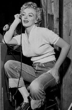 Marilyn on the set of Clash by Night, Marilyn Monroe Diamonds, Rare Marilyn Monroe, Marilyn Monroe Photos, Golden Age Of Hollywood, Hollywood Glamour, Old Hollywood Actresses, Fritz Lang, Norma Jeane, Iconic Women