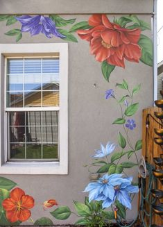 Murals by Yulia Avgustinovich seen at Private Residence, Denver - Flower Wall Mural Wall Painting Flowers, Simple Wall Paintings, Diy Wall Painting, Mural Painting, Painted Flowers On Wall, Garden Fence Art, Garden Mural, Flower Mural, Flower Wall