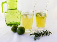 mate iced tea with lime Homemade Iced Tea, Iced Tea Recipes, Cantaloupe, Lime, Fruit, Food, Graz, Health, Lima
