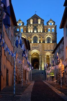 """Cathédrale Notre-Dame-de-l'Annonciation du Puy-en-Velay. Auvergne. UNESCO World Heritage Site, as part of the """"Routes of Santiago de Compostela in France""""."""