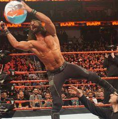 Meanwhile on Raw, the Miz was trying to grab Seth's balls. Wwe Seth Rollins, Seth Freakin Rollins, All White Party Outfits, Becky Wwe, Burn It Down, Finn Balor, Cm Punk, Daniel Bryan, Randy Orton