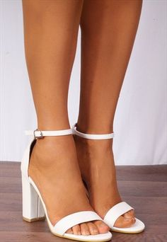 White Barely There Ankle Strap Strappy Sandals High Heels By Shoe Closet Weiß Barely There Knöchelriemen Riemchensandaletten High Heels Homecoming Shoes, Graduation Shoes, High Heels Plateau, Frauen In High Heels, Prom Heels, Wedding High Heels, High Heels For Prom, Ankle Strap Shoes, Girls Shoes