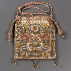 Drawstring bag English late century Object Place: England ACCESSION NUMBER MEDIUM OR TECHNIQUE Silk satin emroidered with silk, gold metallic threads, metal purl, and seed pearls Braided silk and metallic cords and tassels Vintage Purses, Vintage Bags, Vintage Handbags, Vintage Outfits, Vintage Fashion, Medieval Embroidery, Sweet Bags, Pink Silk, Silk Satin