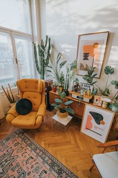 interior Cozy urban jungle nook at the home of Artist Jan Skacelik with his abstract artworks and collection of houseplants My Living Room, Home And Living, Living Spaces, Decorating Your Home, Interior Decorating, Interior Design, Room Interior, 70s Decor, Home Office Decor