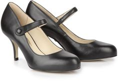 Pin for Later: Die wilden Siebziger sind zurück! Mary Jane Pumps Buffalo Mary Jane Pumps in schwarz (79€)