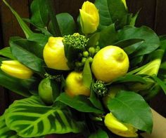flower arrangements with lemons in it | ... green colors for table centerpieces, floral arrangements with lemons