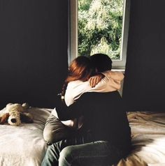 Lily Evans comforting James Potter after his parents died. Lily Evans, It Ends With Us, Harry And Ginny, Donna Tartt, Jily, Stydia, Ginny Weasley, Life And Death, Am Meer