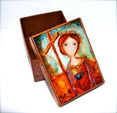 caja de madera de santa helena