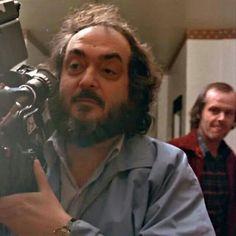"""Una leyenda filmando a otra leyenda. Stanley Kubrick y Jack Nicholson en el set de filmación de """"The Shining""""."""
