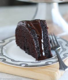 This Guinness Chocolate Cake is incredibly moist, decadent and melts in your mouth- the best cake a Guinness lover could ever wish for, a one bowl chocolate cake with less than a minute of mixing required and 5 minutes prep- What's not to love?  I had come across a chocolate Guinness cake and ...