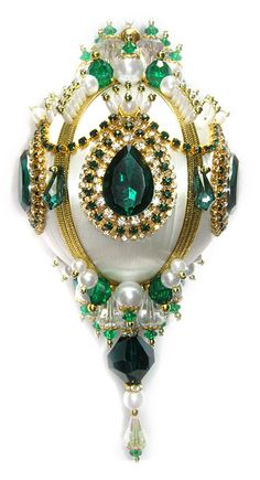 Dazzling Christmas Ornament Emerald/Crystal/Pearl von sparklements