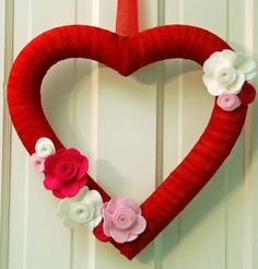 Valentine's wreath with felt flowers