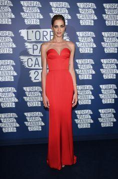 Ana Beatriz Barros em Cannes / vestido de festa vermelho