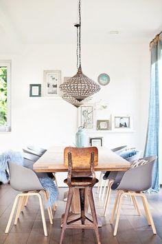 Einfach nur so! #interior #einrichtung #einrichtungsideen #ideen #living #realhomes #deko #dekoideen #decoration #scandinavian #stilmix #oriental #esszimmer #diningroom #blue #blau #grey #grau Foto: ROOMstories