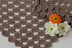 Crochet Patterns Poncho This heart-shaped cloth will immediately love you! The fashionable design makes the . Crochet Diy, Crochet Motifs, Crochet Stitches Patterns, Crochet For Kids, Crochet Shawl, Crochet Scarves, Crochet Clothes, Crochet Squares Afghan, Poncho Knitting Patterns