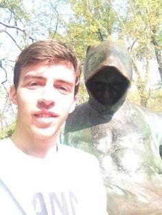 #scaryselfie #statue