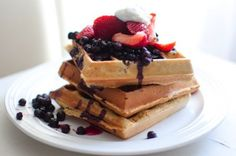 5 Healthy #Brunch Recipes from Around the Web-- Almond-Millet Waffles via Eat Life Whole
