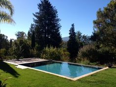 Another clean vanishing edge installation with our Hydramatic automatic swimming pool safety cover. This pool is located in Los Altos Hills CA.