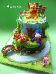 Winnie the Pooh cake-design by antonelle di maria Pretty Cakes, Beautiful Cakes, Amazing Cakes, Cupcakes, Cupcake Cakes, Winnie Pooh Torte, Cookies Decorados, Friends Cake, Disney Cakes
