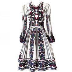 Читайте також також Неймовірні вишиванки від Юлії Магдич Схеми та ідеї  чоловічих вишиванок Ідеальна вишита сукня 049b02b627948
