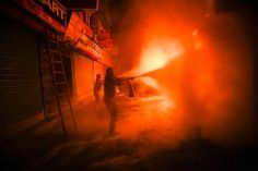 Een grote brand in Thamel, een wijk in de Nepalese hoofdstad Kathmandu, heeft vannacht een reeks winkels en restaurants in de as gelegd. Er vielen geen gewonden.