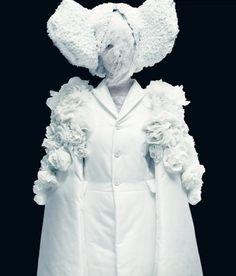 Comme des Garçons Spring 2012 Ready to Wear, White Drama, ph. Paolo Roversi, Musee Galliera de la Mode