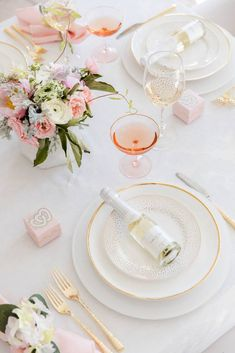 Fashionable Hostess Valentine's Day Entertaining Tips Champagne Place Cards Tea Party Bridal Shower, Bridal Shower Games, Bridal Shower Decorations, Table Setting Inspiration, Diy Inspiration, Wedding Inspiration, Valentines Day Party, Be My Valentine, Valentines Day Tablescapes
