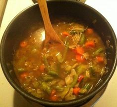 WW's Cabbage Soup: 0 pts ( I added some grassfed, well-drained ground beef, diced tomatoes, organic beef stock, parsley & some sea salt) It makes a big difference using a good cast iron Dutch oven pot so the flavors blend better. Weight Watchers Cabbage Soup Recipe, Weight Watchers Soup, Cabbage Soup Recipes, Ww Recipes, Cooking Recipes, Healthy Recipes, Detox Recipes, Healthy Options, Organic Beef